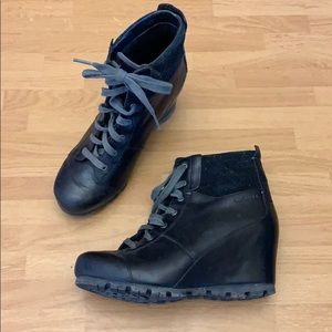 Merrell black wedge ankle booties